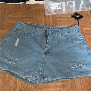 Light wash jean shorts *NWT*
